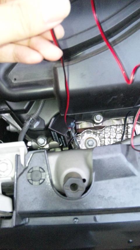 引っ掛けておいた配線を使って、イグナイターを引き上げる