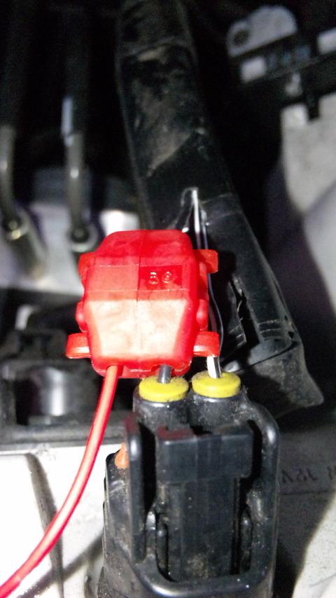 ポジション黒線(+)とイグナイター(+)線をエレクトロタップで接続