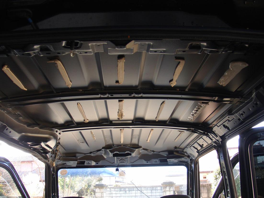ルーフ(天井)内張り外し後の画像(タントカスタムL375S)
