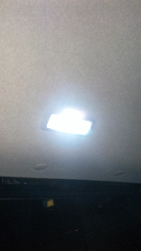 LEDルームランプ(リア側)